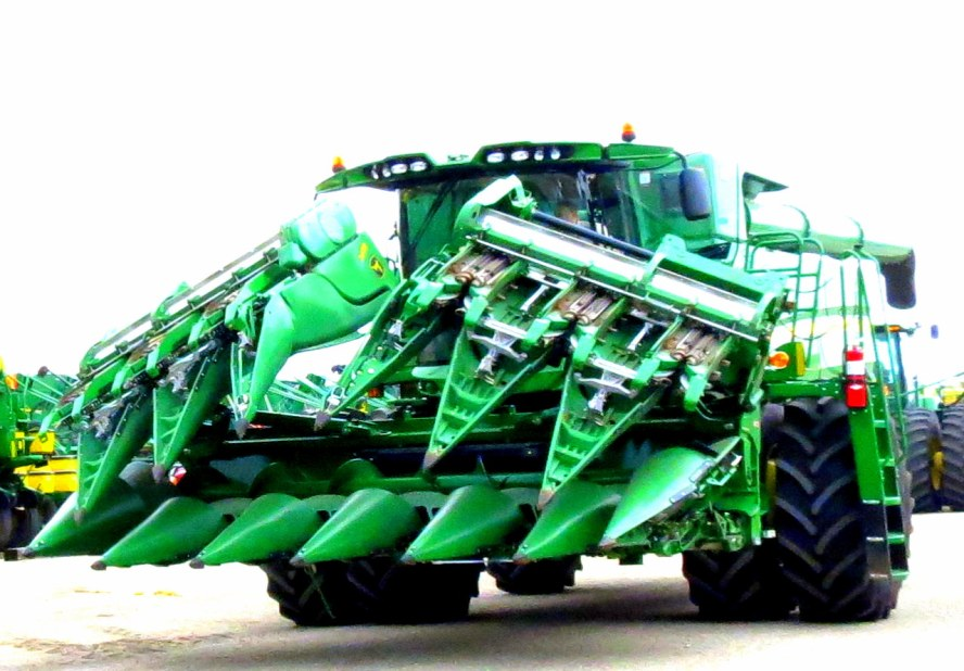 S-Series Combines Specifications S550 - S690 - Agroparts
